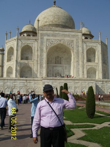 The Monk who sold the Taj